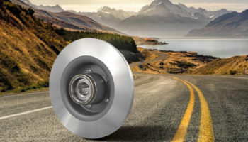 Watch: Find out how to remove and fit brake discs with integrated bearings