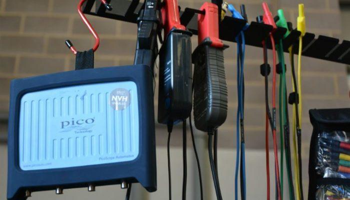 Technician talks through PicoScope diagnostics of low speed ABS fault