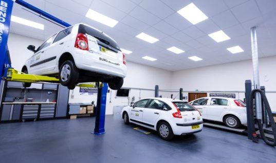 Garages urged to start hybrid training or risk getting left behind