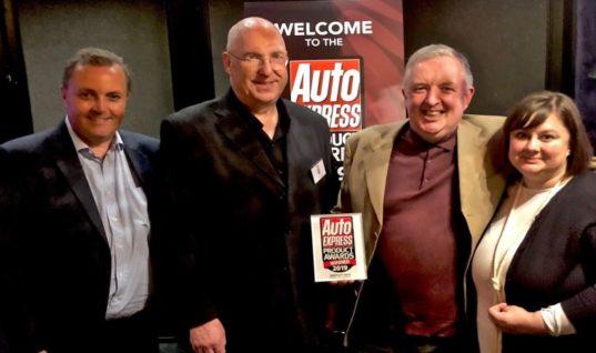 Philips RacingVision awarded Auto Express Headlight Bulb of the Year
