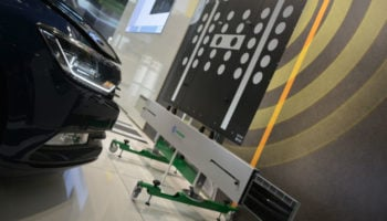 Hella Gutmann Solutions unveils leveling plate system for ADAS calibration