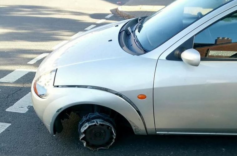 Missing-tyre motorist stopped by police