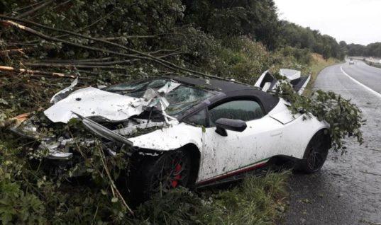 Lamborghini falls victim to treacherous driving conditions