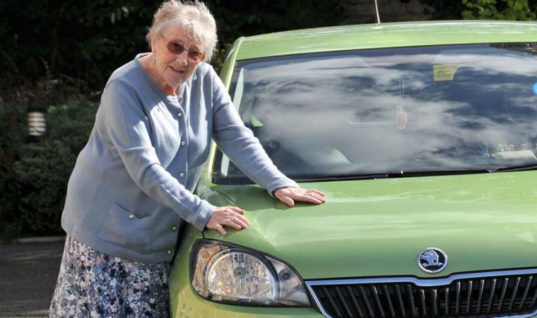 Main dealer dupes pensioner into part ex'ing 22,000-mile car for brand new one