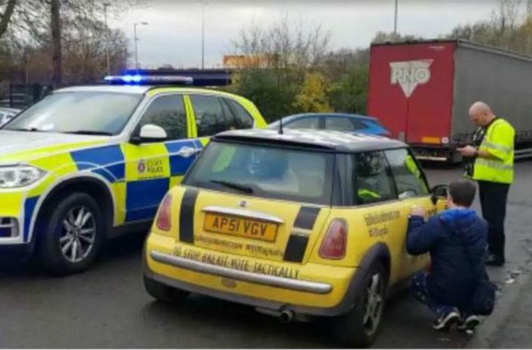 Police order driver to remove Brexit bumper sticker, campaigner claims