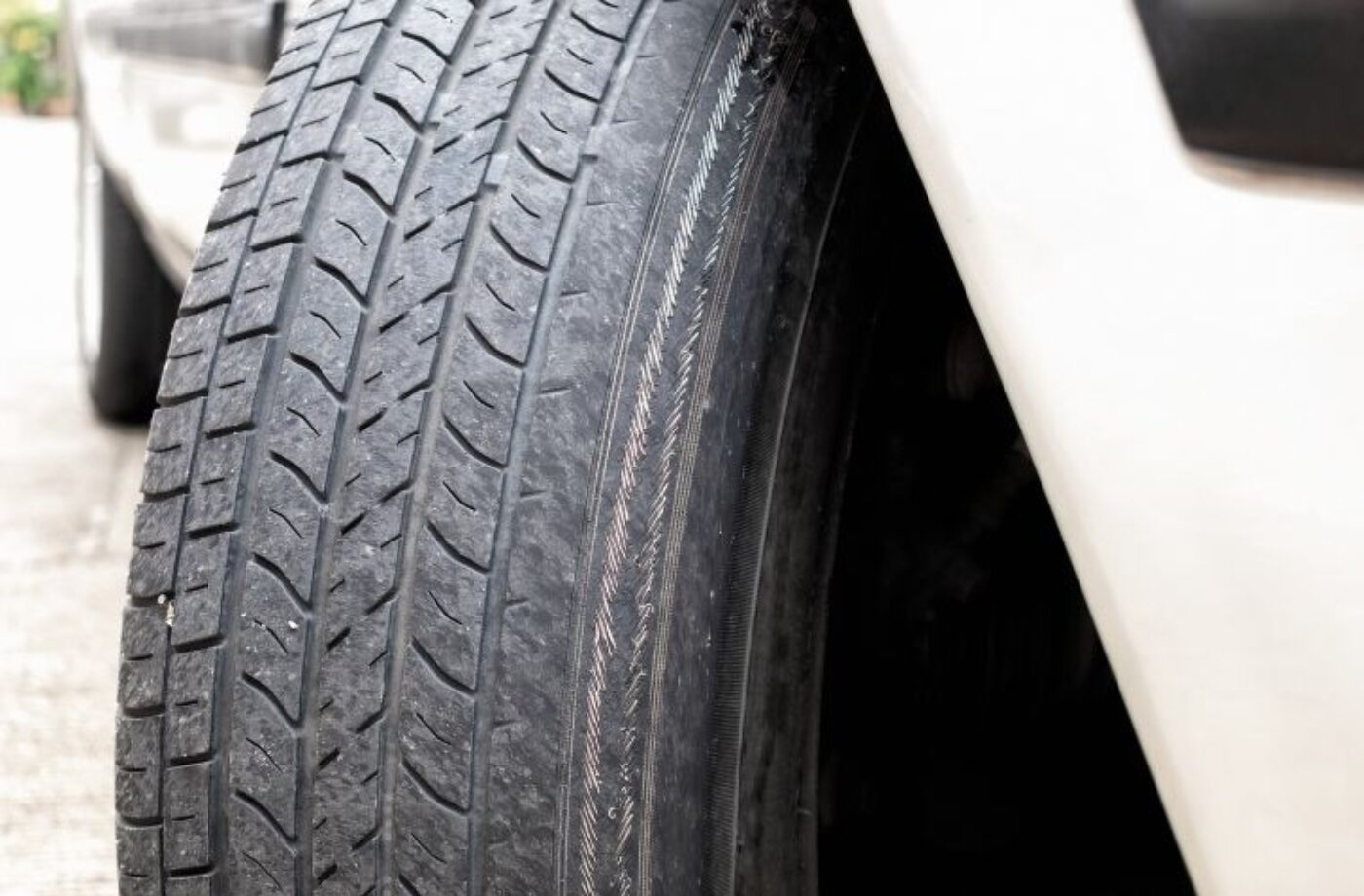 Millions risking a blowout by driving on under inflated tyres, research suggests