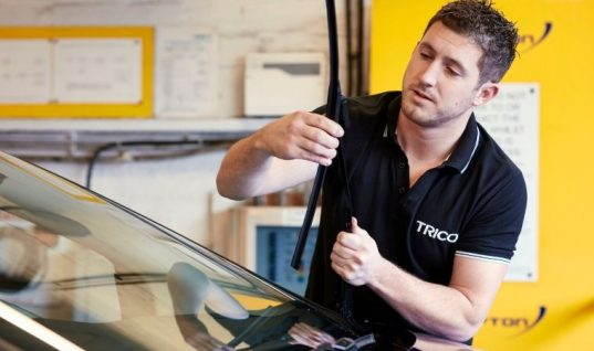 Check wiper blades for an easy sales opportunity, expert advises