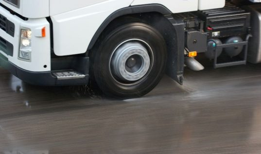 Heavy vehicle testing to continue during lockdown, DVSA confirms