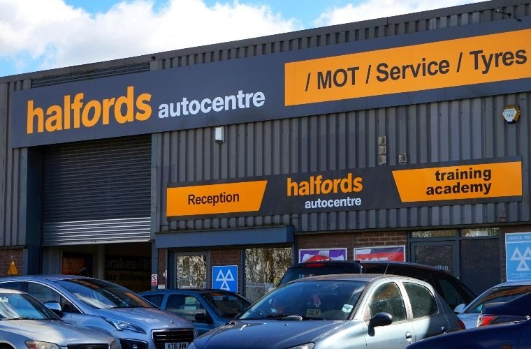 Halfords makes plans to capitalise on electric vehicle switch