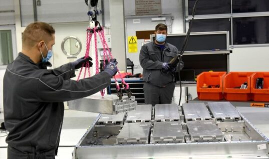 VW launches EV battery recycling pilot