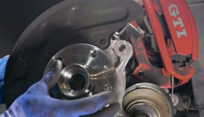 Video guide: Volkswagen Golf VII wheel bearing installation