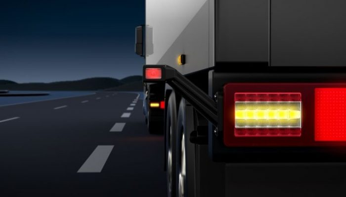 New full-LED rear lamp for 24-volt truck and trailer applications