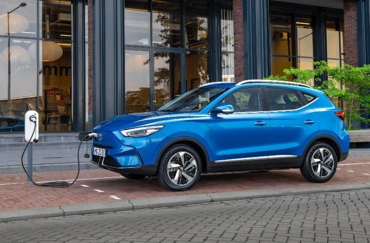 Weakest September since 1998 for new car market despite surge in EV interest